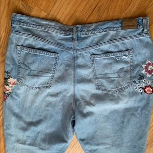 American Eagle Outfitters Pants & Jumpsuits - American Eagle Mom Jean Size 20 Long Embroidered